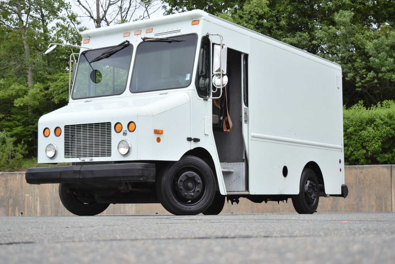 2002 FREIGHTLINER MT45 for sale in South Weymouth, MA