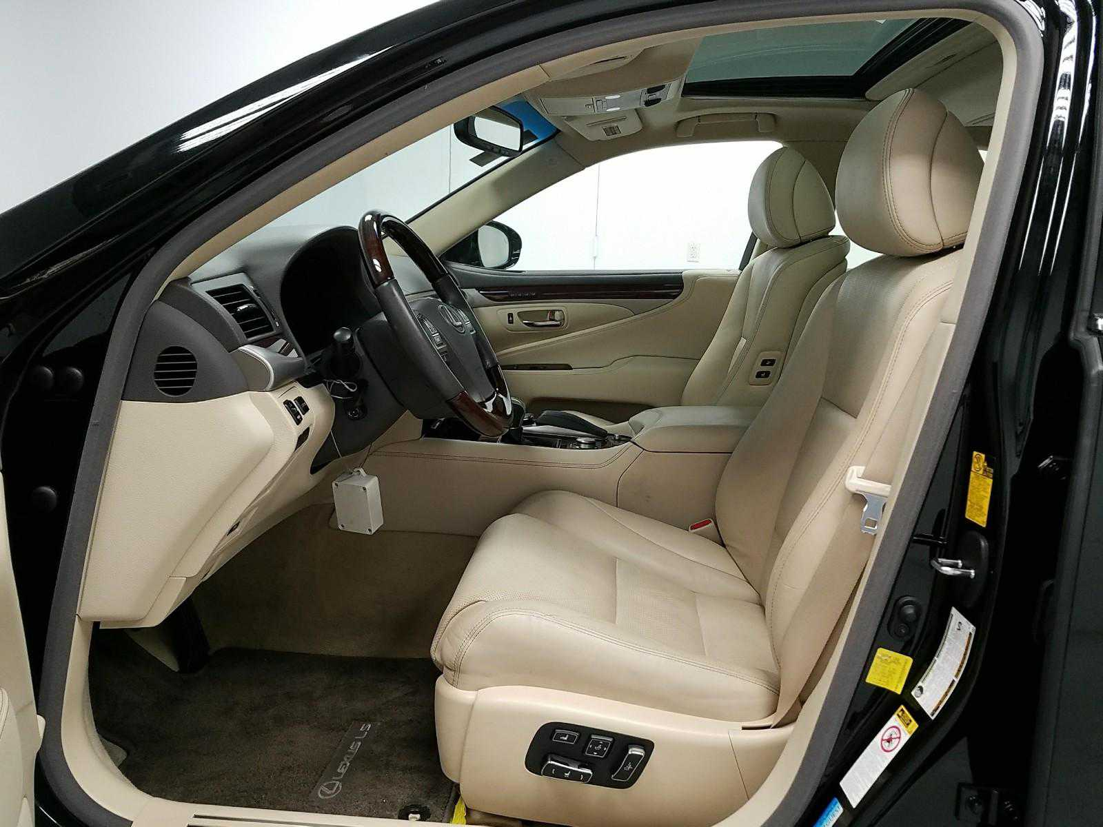 New Lexus' interior