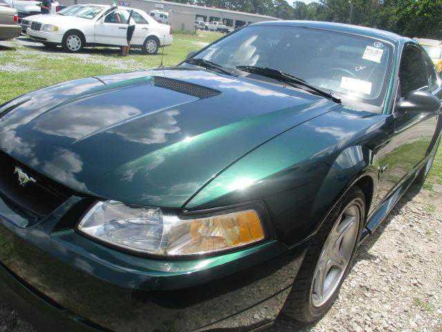 1FAFP42X8YF268624 Ford Mustang 2000