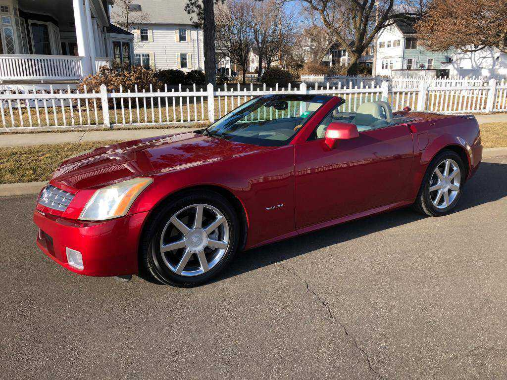 2005 cadillac xlr for sale in milford ct. Black Bedroom Furniture Sets. Home Design Ideas