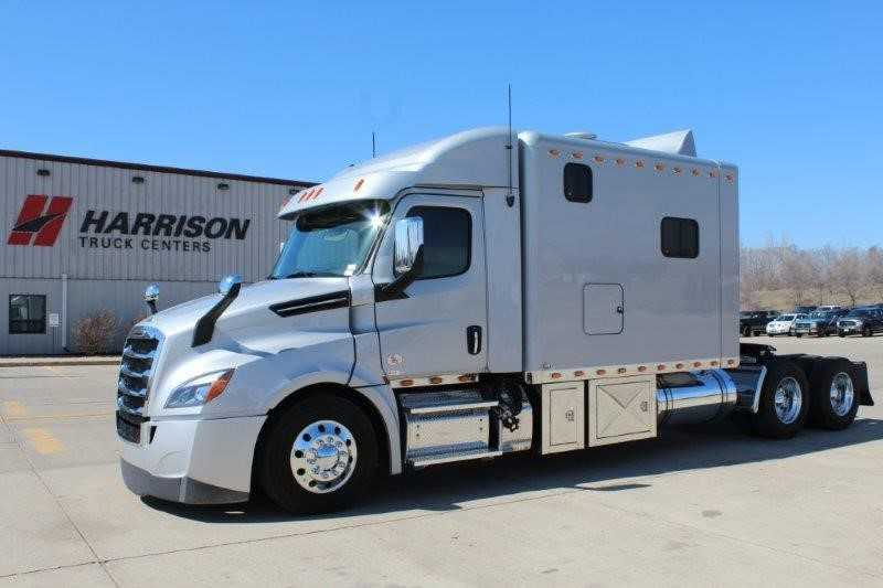 2019 FREIGHTLINER CASCADIA 126 for sale in , |