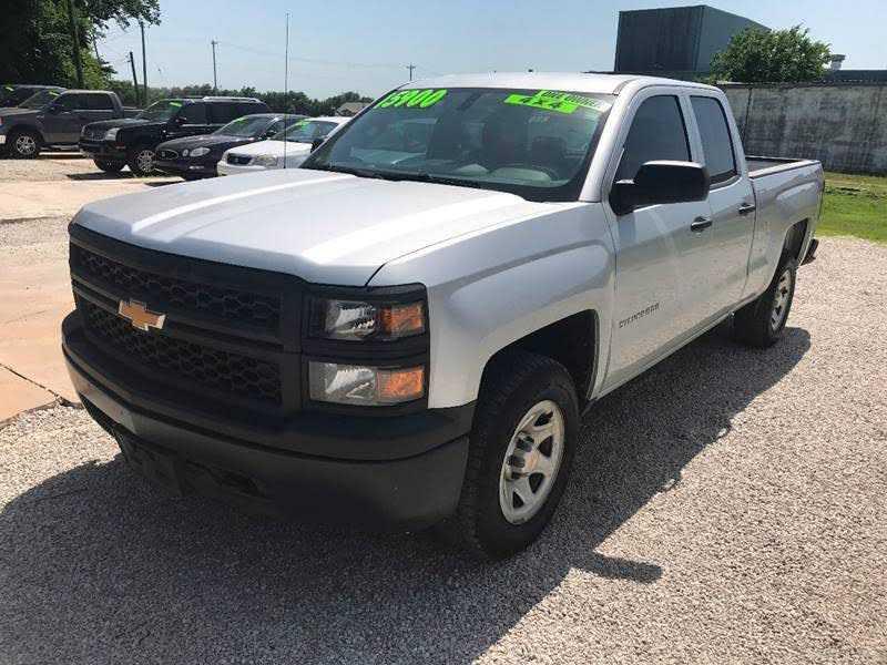 Chevrolet Silverado 2015 $15900.00 incacar.com