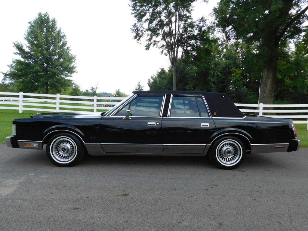 1989 Lincoln Town Car For Sale In 1lnbm82f5ky629671