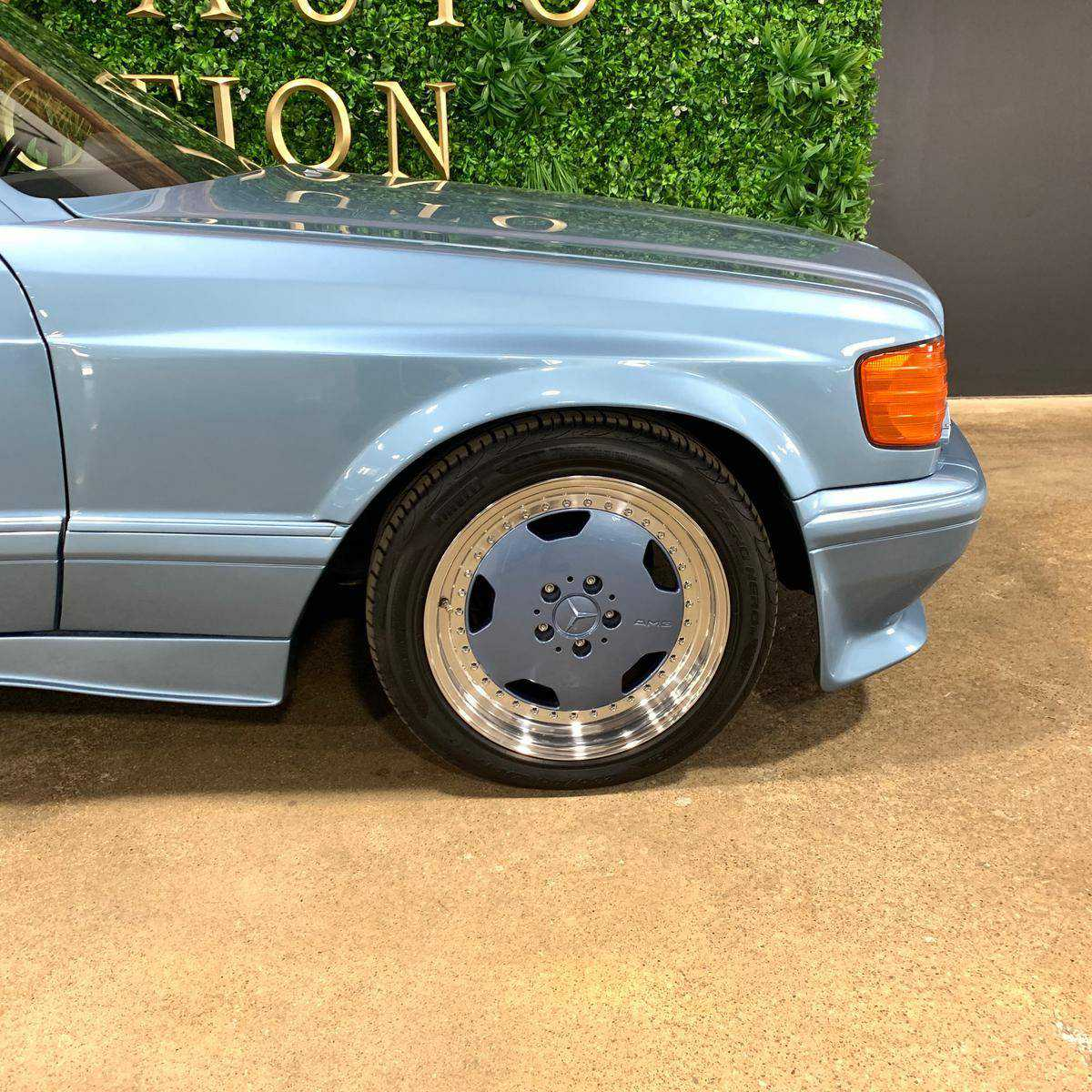1990 Mercedes-Benz 560SEC for sale in Wadsworth, OH