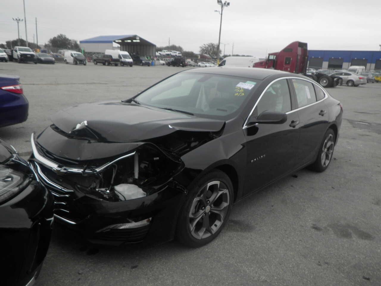 1G1ZD5ST0LF096335 Chevrolet Malibu LT Sedan 2020